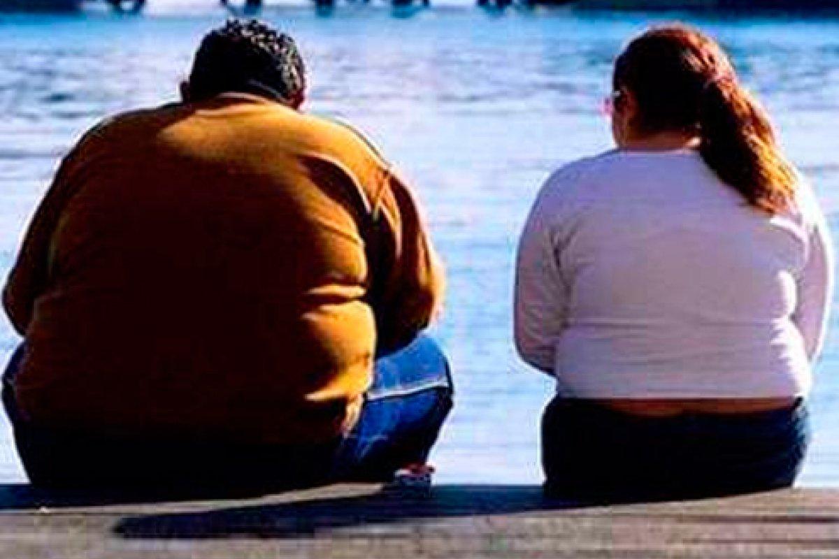 En 2014 más de 1,900 millones de adultos tenían sobrepeso y más de 500 millones eran obesos a nivel mundial, de acuerdo con la OMS.