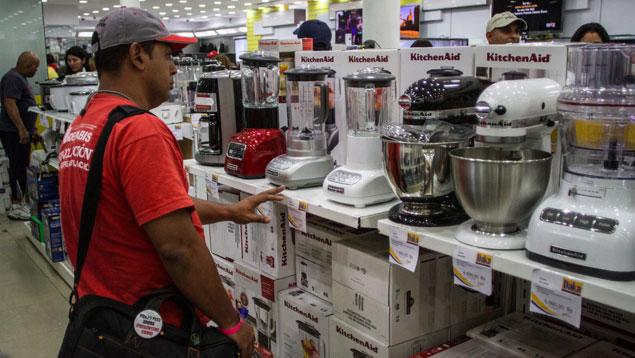Encuestados por Inegi disminuyen su confianza para comprar bienes duraderos en septiembre respecto al mes anterior.