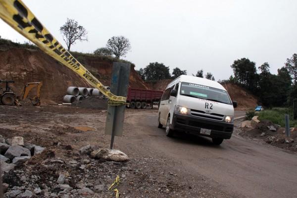 La recién inaugurada vía de altas especificaciones entre Durango y Mazatlán ya exhibe severos problemas en la calidad de su edificación