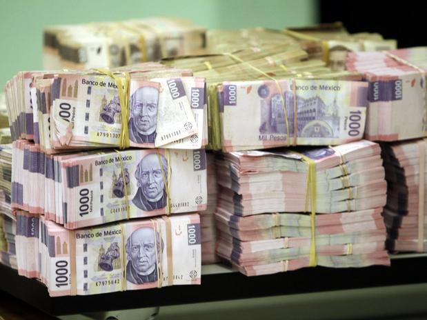 Diputados y senadores se llevarán, en conjunto, 159.8 mdp en sueldo durante 2014.