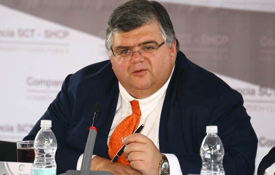 Si no se abre Pemex se limita el potencial del país, advierte el gobernador.