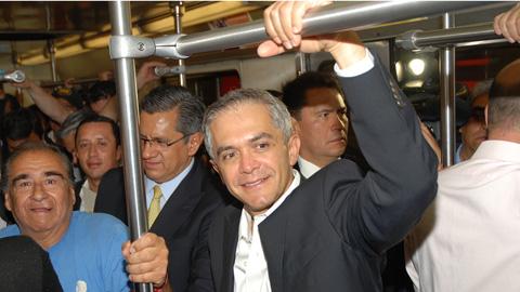 En todo el mundo, el Metro se opera a fondo perdido con subsidios constantes para garantizar su operación.