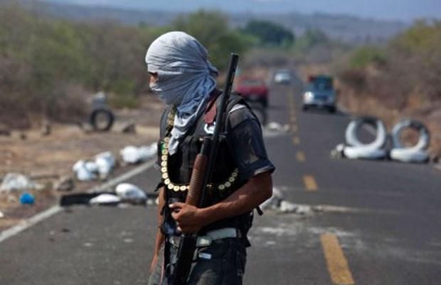 Con todo y sus problemas, empresas de productos de consumo como Bimbo y Coca-Cola siguen transitando por los municipios en conflicto.