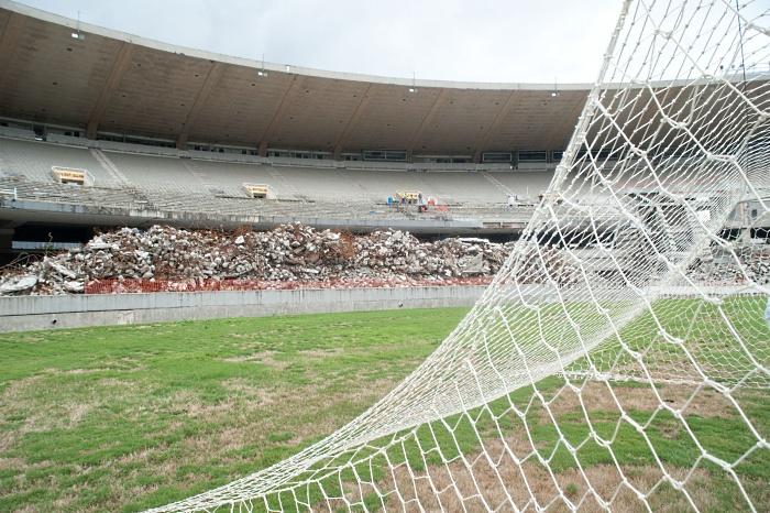 Suspender el Mundial de Futbol no es una alternativa, ni siquiera cambiar de sede a estas alturas del magno evento.