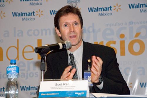 """El 2013 fue """"la gran decepción"""" para Wal-Mart de México y Centro América, explicó Scot Rank."""