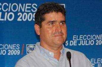 Antes de entrar a Pemex, Ávila Lizárraga se desempeñó como delegado de la Secretaría de Desarrollo Social de Campeche entre 2002 y 2009.