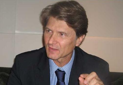 Empresas turísticas, de comercio exterior y generadoras de divisas se beneficiarán del acuerdo entre Bancrea y la institución que dirige Enrique de la Madrid.