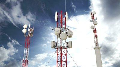 FIMM ingresó al negocio de las antenas en 2011, tras adquirir 911 torres de Telefónica, y su alianza con Digital Bridge es a partes iguales.