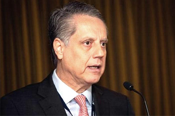 El subgobernador Sánchez reveló la expectativa de crecimiento de Banxico luego de que ayer recortara su predicción para cierre de año.