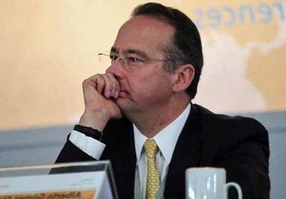 Factores económicos externos e internos afectan el otorgamiento de crédito en el país, defendió Gómez Alcalá.