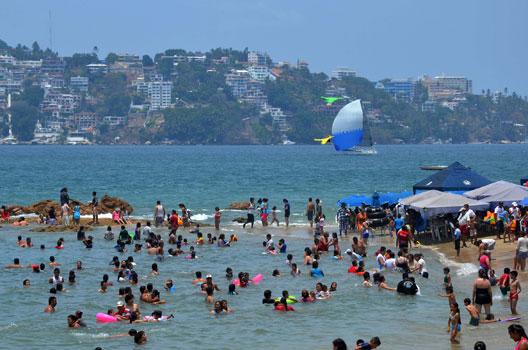 El comienzo de la temporada vacacional aumentó los servicios turísticos en 8.57% a comparación quincenal.