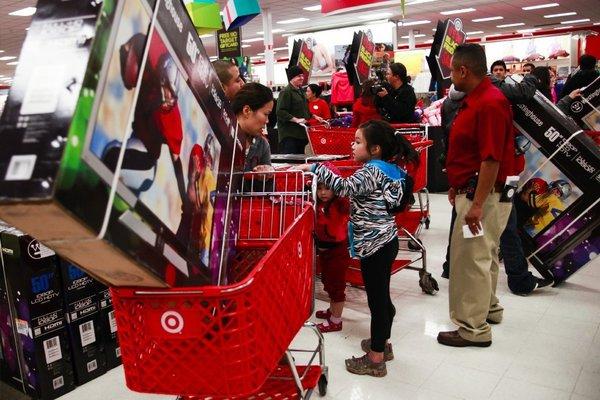 Las cifras de confianza del consumidor superaron en 4.4 puntos el consenso de 85.5 en los mercados.