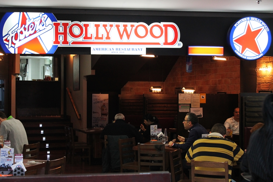 """ALSEA adquiere 195 restaurantes de la marca """"Foster's Hollywood"""" en España."""