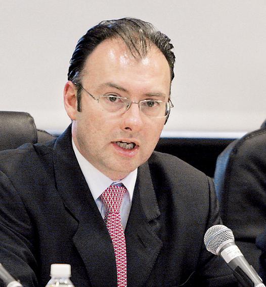 La Secretaría de Hacienda y Crédito Público, a cargo de Luis Videgaray, solicitará a gobiernos y municipios la firma de los convenios que permitirían ceder facultades tributarias.