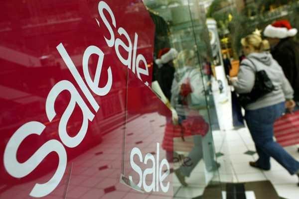 Pese a la desaceleración, sectores como el de ropa y accesorios lograron avanzar 0.4% al inicio del segundo trimestre.