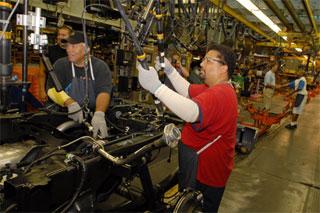 Se despedirá a 320 empleados que trabajan en ensamble y a 80 en la fabricación de tren motriz.