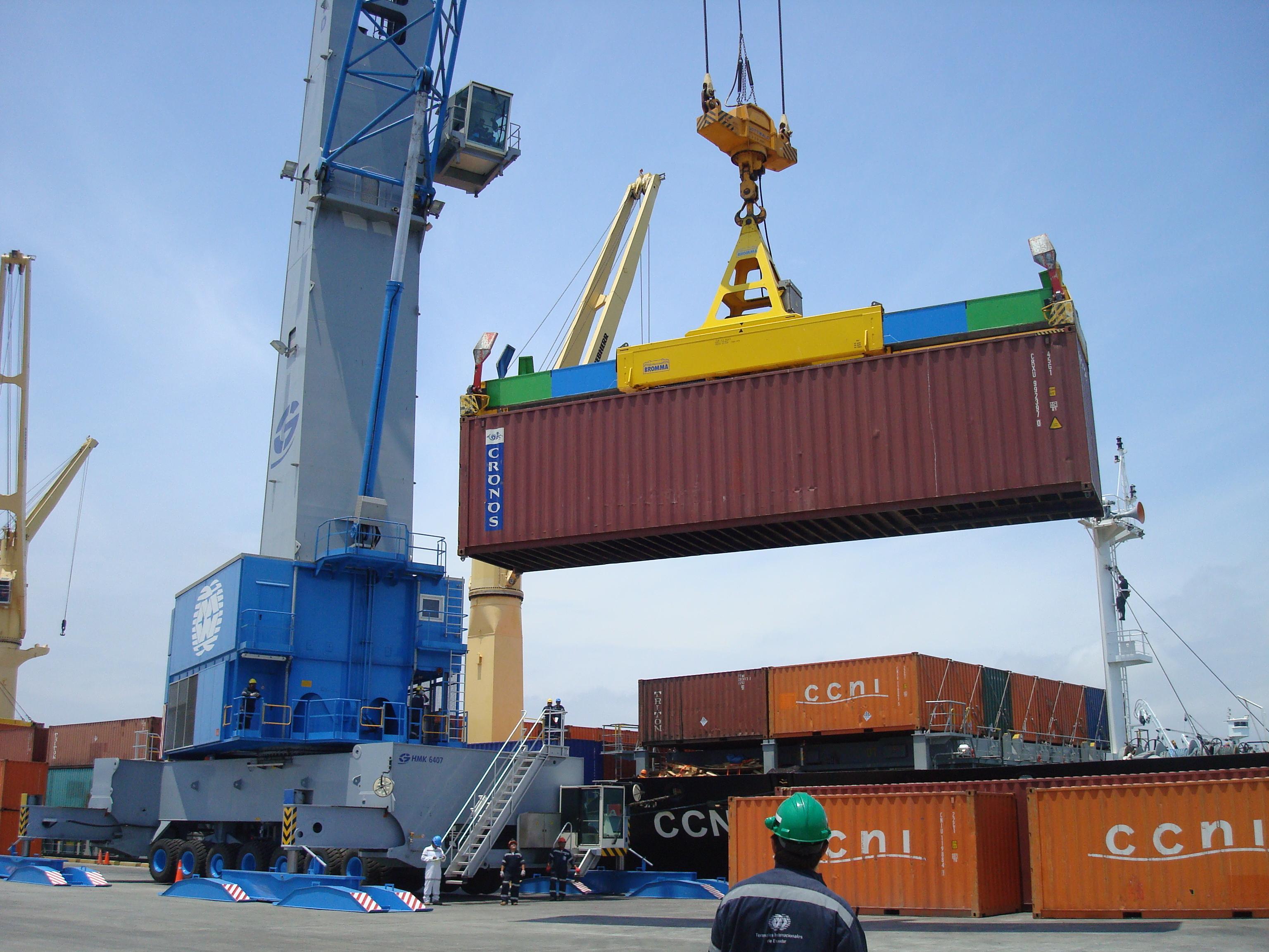 Durante julio, a comparación anual, las exportaciones no petroleras representaron 30 mil 241 millones de dólares.