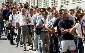 Al octavo mes del año el número de trabajadores desempleados ascendió a 9.6 millones en la Unión Americana.