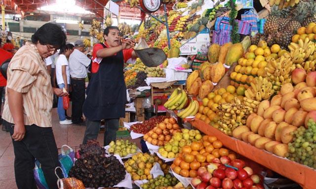 Los contribuyentes con ventas hasta por 100 mil pesos anuales no pagarán el IVA y el IEPS durante 10 años.