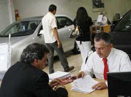 En agosto las ventas minoristas con mejores resultados fueron la de autos y autopartes con un incremento de 8.9%.