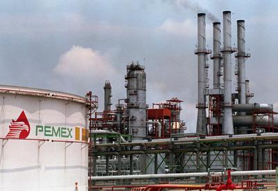 Pemex adjudicó a ACS un contrato por 560 millones de dólares.