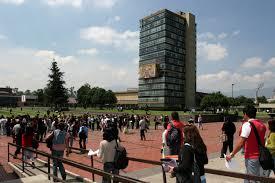 La UNAM, atendió a una población de 337 mil 763 estudiantes, y dispuso de una planta de 38 mil 68 académicos en 2013.