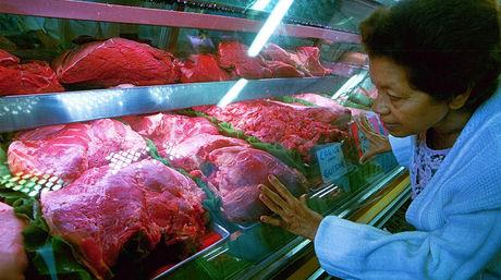 Hoy el salario mínimo diario apenas alcanza a comprar medio kilo de carne.