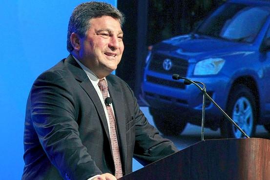 Toyota, de la cual Steve St. Angelo es director de operaciones para América Latina, es la última gran marca de producción masiva de vehículos ligeros que se rehusa a llegar a México.