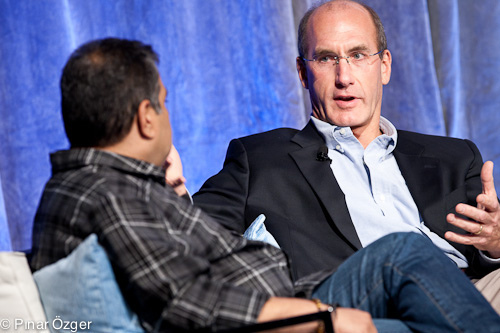 """""""Si los precios son buenos y aparece otra oportunidad, seríamos tontos al no aprovecharla"""", El jefe de estrategia de AT&T, John Stankey."""