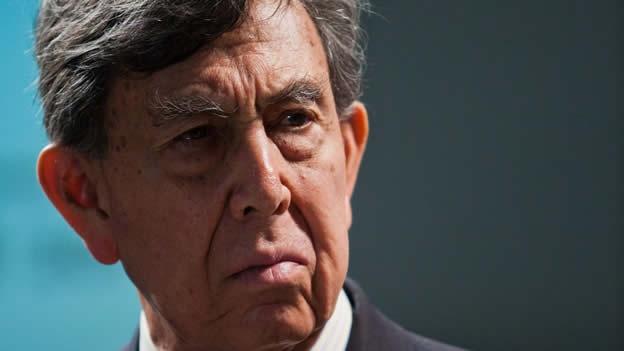 El día de ayer Cárdenas presentó su renuncia al PRD, tras haberse reunido previamente con el dirigente nacional del Sol Azteca, Carlos Navarrete.