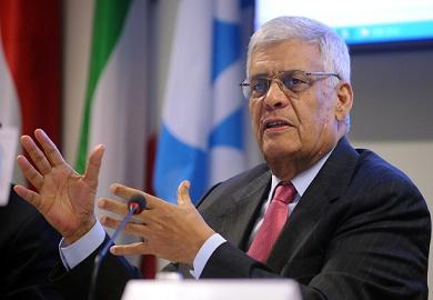 La OPEP liderada por Abdalá el Badri, decidió no reducir producción.