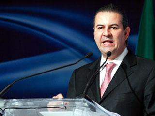 El CCE, presidido por Gerardo Gutiérrez Candiani, exigió a los legisladores asumir su responsabilidad y comportarse a la altura de la crisis por la que transita el país.