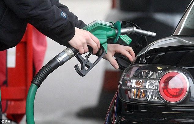 Según estimaciones del Departamento de Energía de EU, para 2015 se espera que el consumo diario de gasolina se coloque en 8.86 millones de barriles; 4.6% menos que en el pico histórico de 9.29 millones de 2007.