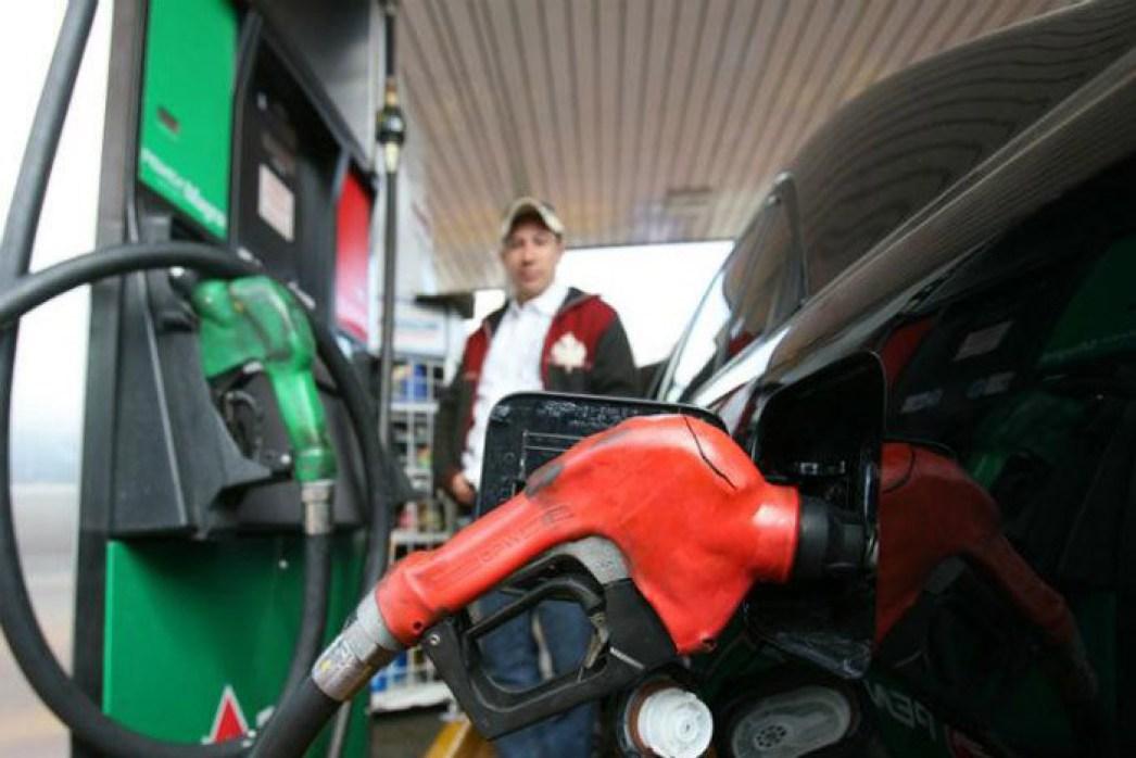 Con la compra de gasolinas caras los mexicanos compensarán un faltante de 89 mil millones de pesos en el presupuesto por menos ingresos petroleros.
