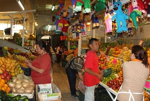 Con un crecimiento anual de apenas 2.1% el consumo interno en México ha sido castigado por lo menos los dos últimos años.