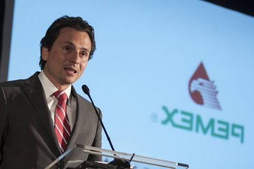 """Pemex, liderada por Emilio Lozoya, no ha hecho honor a su nombre de """"empresa productiva de estado,"""" pues costará más a la ciudadanía de lo que aporta."""