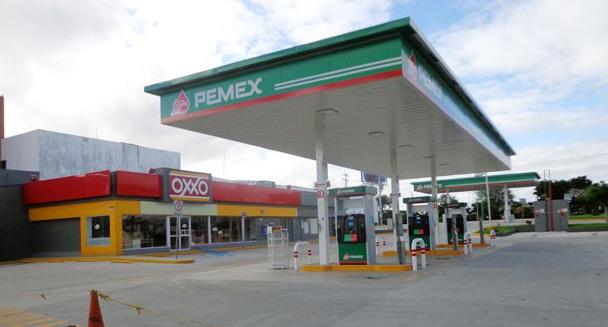 La cadena Oxxo a nivel nacional supera al números de cajeros automáticos del banco más grande del país.