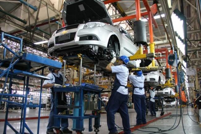 A partir de 2012 los salarios de los trabajadores manufactureros han seguido una tendencia a la baja, mientras que los ingresos de estas empresas un camino ascendente.
