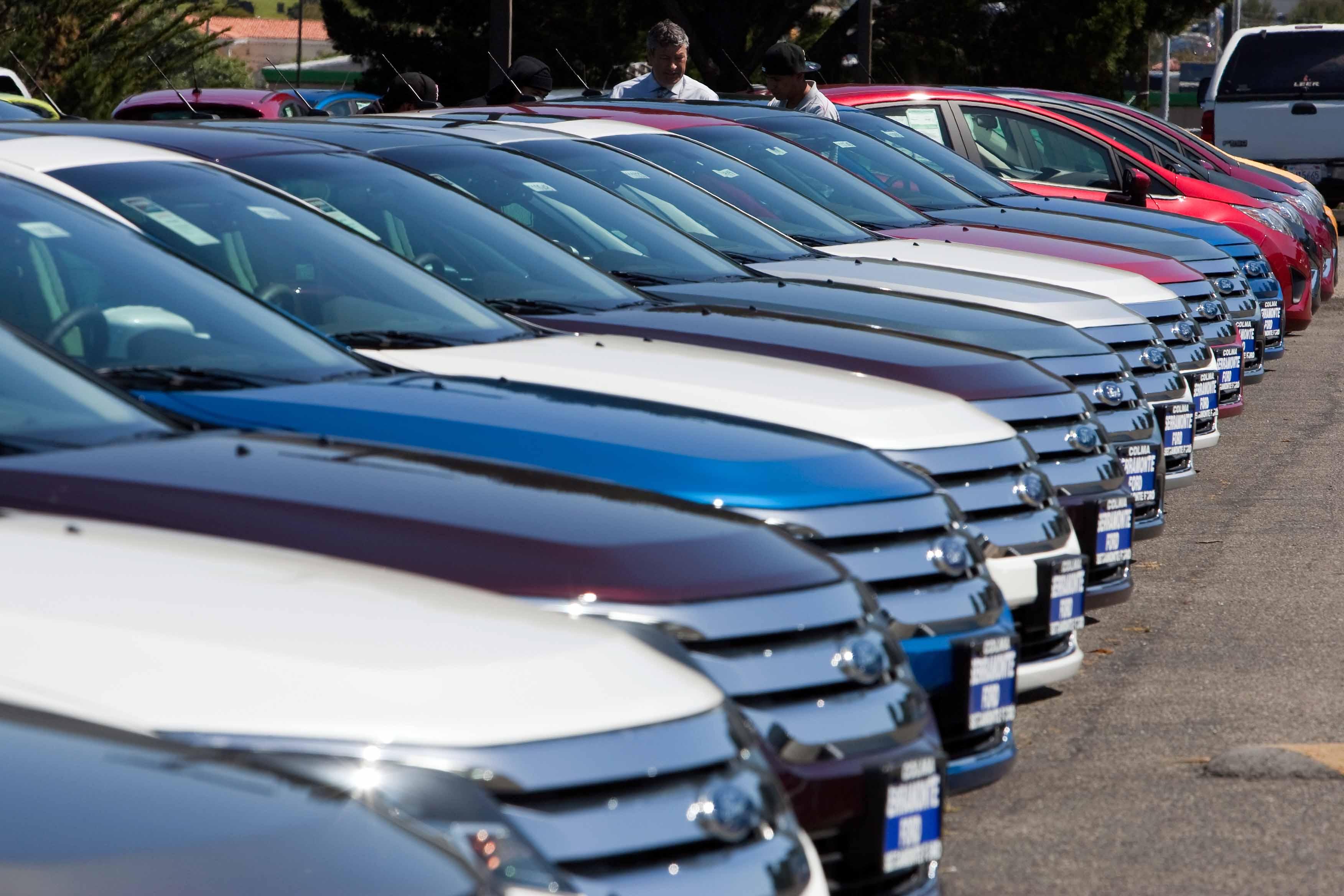 Las marcas más vendidas durante abril fueron, Nissan con 24 mil 566 autos, seguido de General Motors con 18 mil 612 y Volkswagen con 14 mil 587 unidades.