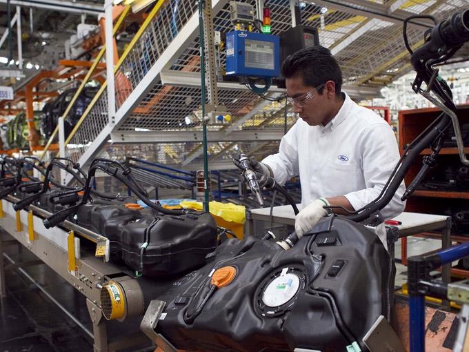 Las exportaciones manufactureras crecieron 4.3% anual durante abril, y 1.38% en relación a marzo de este 2015.
