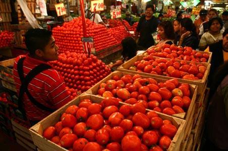 El índice de Nacional de Precios al Consumidor se redujo 0.50% debido a la contracción mensual en precios de tarifas eléctricas en 23.3%, el huevo en 12.23% y el jitomate en 12.58%.