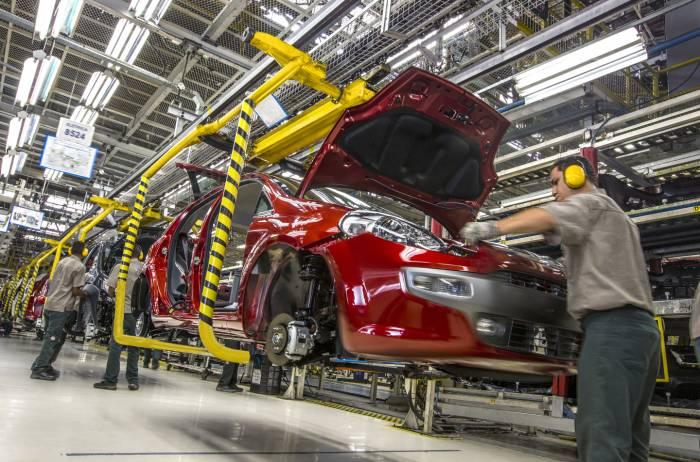La caída en las exportaciones manufactureras se debieron a un descenso en el subcomponete automotriz de 3.5% mensual