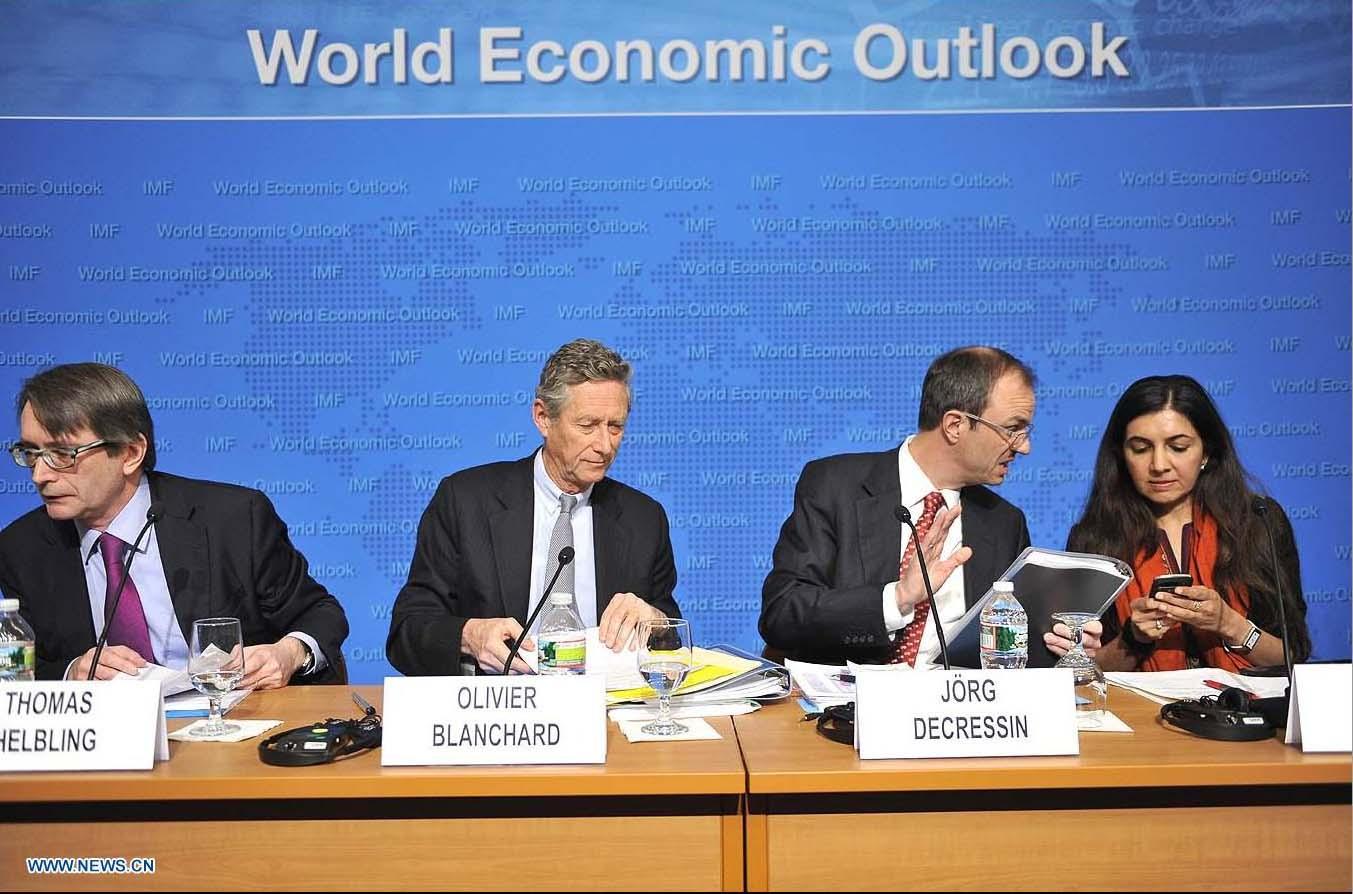"""""""la profundización del sufrimiento de la economía griega probablemente tenga efectos limitados en el resto de la economía mundial"""": Oliver Blanchard, Director del departamento de estudios del FMI"""
