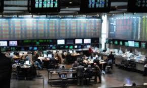 Los precios del petróleo expresaron una ligera tregua tras iniciar la semana con severas pérdidas