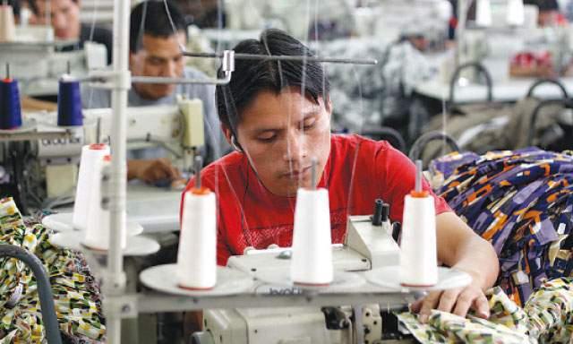 La desaceleración económica de las exportaciones manufactureras mexicanas es congruente con el débil desempeño de la producción industrial de Estados Unidos.
