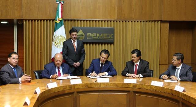 Pemex y el STPRM acordaron un aumento en el salario ordinario de 3.99% y 1.75% en prestaciones.