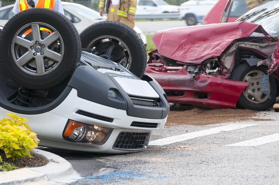El número de fallecimientos de hombres en accidentes es 3 veces mayor que las mujeres. El 77% de las personas fallecidas en un siniestro automovilístico son hombres