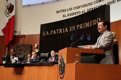 En cuestión de finanzas pública se ha perdido su racionalidad y entre la deuda y las pensiones debemos el 100% del PIB, dijo Ernesto Ruffo del PAN