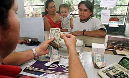 Entre enero y septiembre de 2015 los afiliados al IMSS en Guerrero cobraron 650 millones de dólares (MD) en salarios, pero recibieron 955 MD de remesas enviadas por sus familiares desde EU
