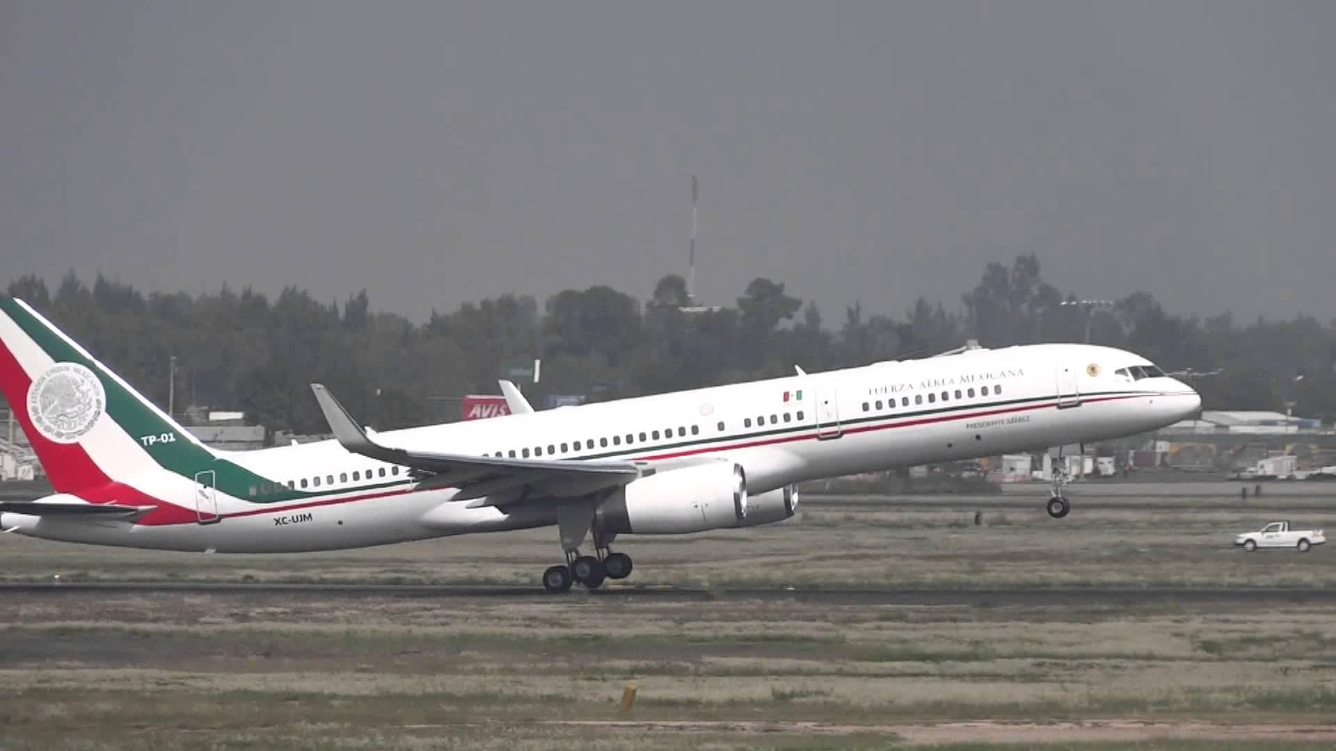 El nuevo Dreamliner sustituirá al actual Boeing 757-225 que tiene más de 25 años de operación en vuelos internacionales, denominado TP-01 Presidente Juárez